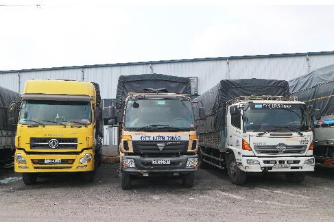 Xe tải 4